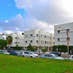Hi Tel Aviv - Bnei Dan Hostel Тель-Авив парковка фото 2