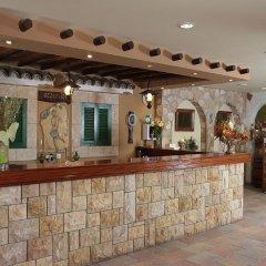 Отель Panas Holiday Village Кипр, Айя-Напа - 13 отзывов об отеле, цены и фото номеров - забронировать отель Panas Holiday Village онлайн интерьер отеля фото 3