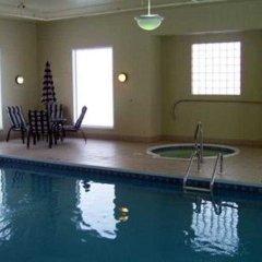 Отель Days Inn & Suites by Wyndham Brooks бассейн фото 2