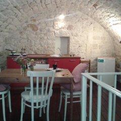 Отель Dimora delle Badesse Италия, Конверсано - отзывы, цены и фото номеров - забронировать отель Dimora delle Badesse онлайн питание
