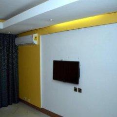 Отель Adwoa Wangara удобства в номере