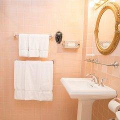 The Roger Smith Hotel ванная