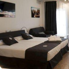 Отель Aparthotel Quo Eraso Мадрид комната для гостей
