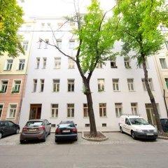 Апартаменты Prater Apartments парковка