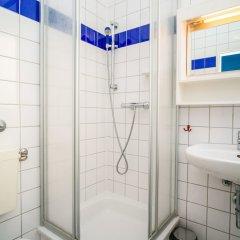 Отель Amstel House Hostel Германия, Берлин - 9 отзывов об отеле, цены и фото номеров - забронировать отель Amstel House Hostel онлайн ванная фото 3