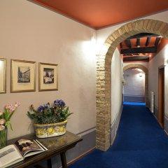 Отель Leon Bianco Италия, Сан-Джиминьяно - отзывы, цены и фото номеров - забронировать отель Leon Bianco онлайн интерьер отеля фото 3