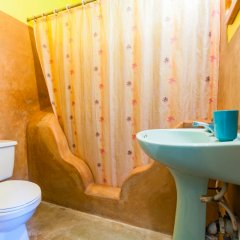 Sunrise Club Hotel Restaurant & Bar ванная