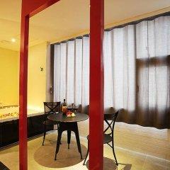 K City Hotel в номере