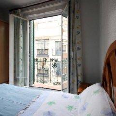 Отель Hostal Casa Bueno Испания, Мадрид - отзывы, цены и фото номеров - забронировать отель Hostal Casa Bueno онлайн комната для гостей фото 4