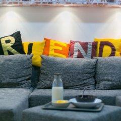 Friends Hostel and Apartments Budapest бассейн