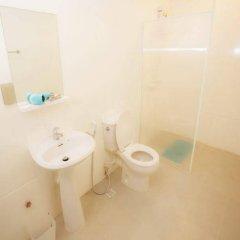 Отель Vplace Silom Бангкок ванная фото 2