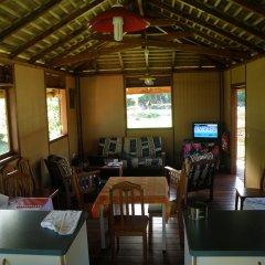 Отель Moorea Surf Bed and Breakfast Французская Полинезия, Муреа - отзывы, цены и фото номеров - забронировать отель Moorea Surf Bed and Breakfast онлайн гостиничный бар