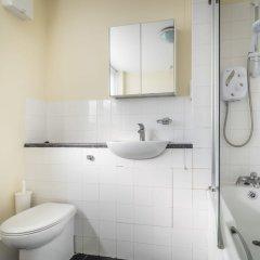 Отель LSE Carr-Saunders Hall ванная