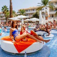 BH Mallorca Hotel бассейн