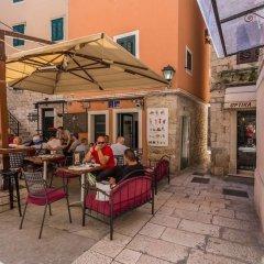 Отель Guesthouse Aleto гостиничный бар