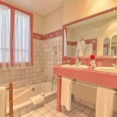 Grand Hotel Dechampaigne ванная фото 3