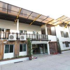 Отель Leesort At Onnuch Бангкок парковка