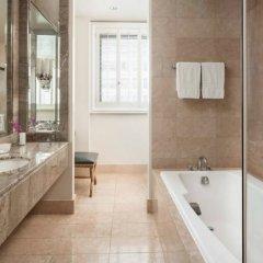 Отель Beverly Wilshire, A Four Seasons Hotel США, Беверли Хиллс - отзывы, цены и фото номеров - забронировать отель Beverly Wilshire, A Four Seasons Hotel онлайн ванная