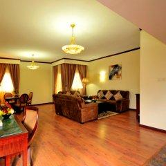 Отель Tulip Inn Sharjah Hotel Apartments ОАЭ, Шарджа - отзывы, цены и фото номеров - забронировать отель Tulip Inn Sharjah Hotel Apartments онлайн комната для гостей