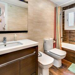 Отель Apartamento Vivalidays Es Blau Испания, Бланес - отзывы, цены и фото номеров - забронировать отель Apartamento Vivalidays Es Blau онлайн ванная