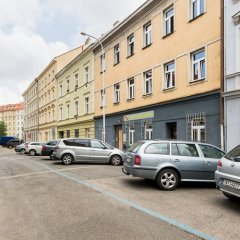 I'm Easy Housing Hostel Прага парковка