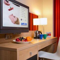 Park Inn Hotel Prague сейф в номере