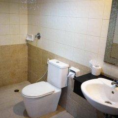 Отель Holiday Home Patong ванная