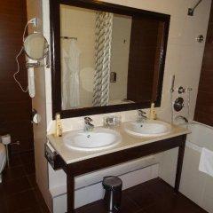 Гостиница Мартон Палас 4* Стандартный номер с двуспальной кроватью фото 5