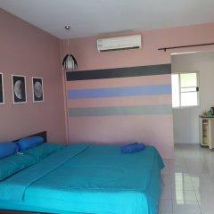 Отель Insook Ko Larn Guesthouse комната для гостей фото 3