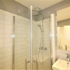 Отель Nice Booking - Royal Luxembourg Piscine Ницца ванная