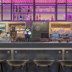 Отель Moxy London Excel гостиничный бар фото 5