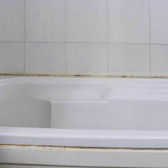 Отель Dee Marks Hotel & Resorts Индия, Нью-Дели - отзывы, цены и фото номеров - забронировать отель Dee Marks Hotel & Resorts онлайн ванная