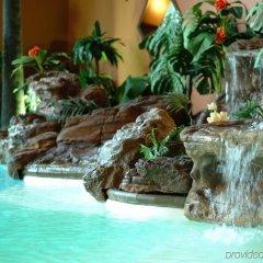 Отель Universel Канада, Квебек - отзывы, цены и фото номеров - забронировать отель Universel онлайн бассейн