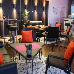 Отель Radisson Blu Hotel Toulouse Airport Франция, Бланьяк - 1 отзыв об отеле, цены и фото номеров - забронировать отель Radisson Blu Hotel Toulouse Airport онлайн гостиничный бар