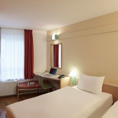 Отель ibis Hotel Düsseldorf Hauptbahnhof Германия, Дюссельдорф - 3 отзыва об отеле, цены и фото номеров - забронировать отель ibis Hotel Düsseldorf Hauptbahnhof онлайн комната для гостей фото 4