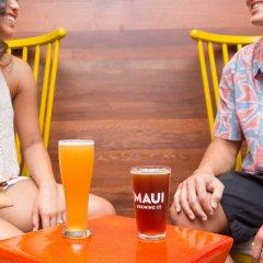 Отель Waikiki Beachcomber by Outrigger сауна