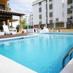 Adia Hotel Cunit Playa бассейн