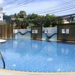 First Residence Hotel бассейн