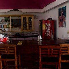 Отель Skymiles Beach Suite At Montego Bay Club Resort Ямайка, Монтего-Бей - отзывы, цены и фото номеров - забронировать отель Skymiles Beach Suite At Montego Bay Club Resort онлайн гостиничный бар