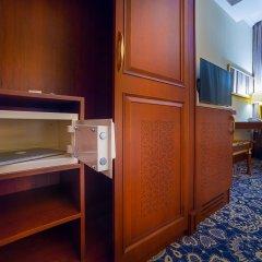 Гостиница Рамада Алматы сейф в номере