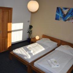Отель Lions Plzen Пльзень сейф в номере