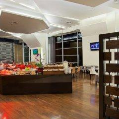Отель PARKROYAL Serviced Suites Kuala Lumpur Малайзия, Куала-Лумпур - 1 отзыв об отеле, цены и фото номеров - забронировать отель PARKROYAL Serviced Suites Kuala Lumpur онлайн интерьер отеля фото 3