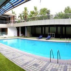 Отель Dee Marks Hotel & Resorts Индия, Нью-Дели - отзывы, цены и фото номеров - забронировать отель Dee Marks Hotel & Resorts онлайн бассейн фото 2