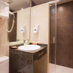 Отель Hostal Fernando Испания, Барселона - отзывы, цены и фото номеров - забронировать отель Hostal Fernando онлайн ванная фото 2