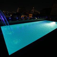 Отель Dewan Bangkok бассейн