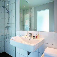 Отель The Flag Zürich Швейцария, Цюрих - 2 отзыва об отеле, цены и фото номеров - забронировать отель The Flag Zürich онлайн ванная фото 2
