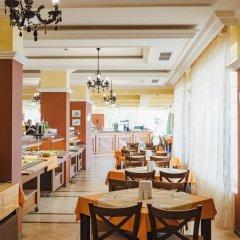 Отель Festa Pomorie Resort Болгария, Поморие - 1 отзыв об отеле, цены и фото номеров - забронировать отель Festa Pomorie Resort онлайн питание фото 3