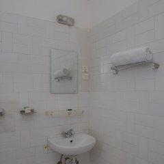 Отель OYO 145 Sirahali Khusbu Hotel & Lodge Непал, Катманду - отзывы, цены и фото номеров - забронировать отель OYO 145 Sirahali Khusbu Hotel & Lodge онлайн ванная фото 2