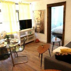 Отель NY079 1 Bedroom Apartment By Senstay США, Нью-Йорк - отзывы, цены и фото номеров - забронировать отель NY079 1 Bedroom Apartment By Senstay онлайн комната для гостей фото 5