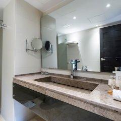 Отель Movich Casa del Alferez ванная фото 2